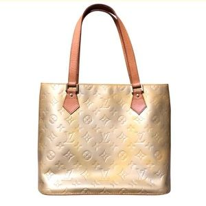 🎉SALE! Authentic Louis Vuitton Shoulder Bag